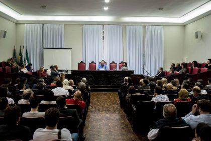 Abertura do Seminário Resistência com o lançamento do livro