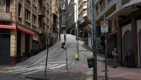 Comércio fechado na rua 25 de Março durante a quarentena. Foto: Rovena Rosa / Agência Brasil