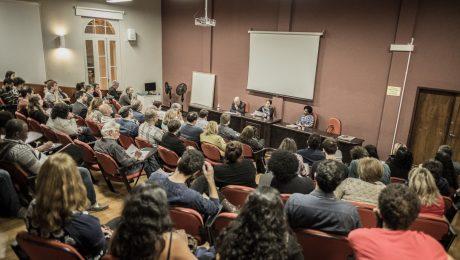 Debate na UFPR sobre a desconstrução dos direitos humanos. Foto: Gibran Mendes